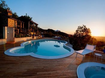 Luxury Rental Umbria Farmhouse in Paciano fully Equipped