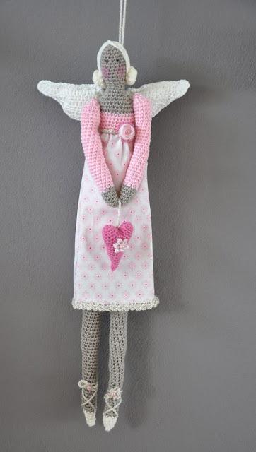 Nice pink Tilda doll. Free crochet pattern