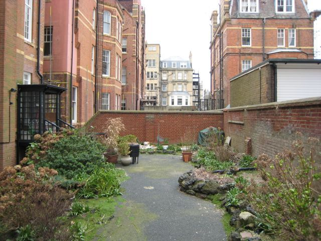 See how this area was transformed in the next picture by a few trees
