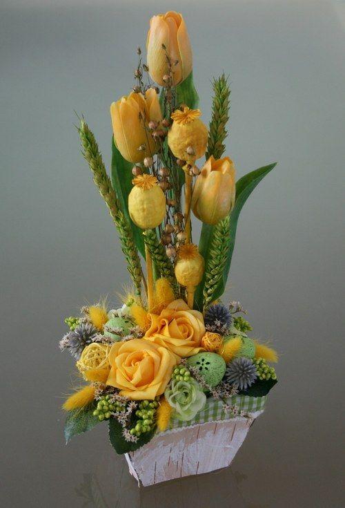Velikonoční košík s tulipány - ve žlutozelené