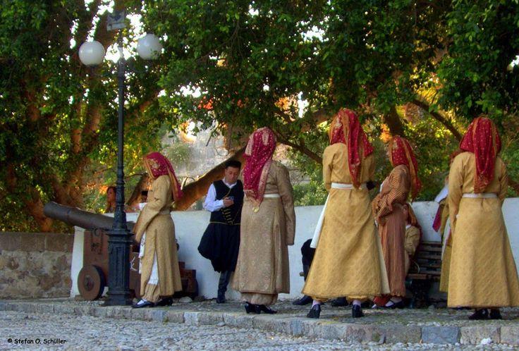 Folkloregruppe am Platanenplatz in Kos-Stadt.  #Kos #Insel #Griechenland #greece #island #Dodekanes #InselKos #KosIsland