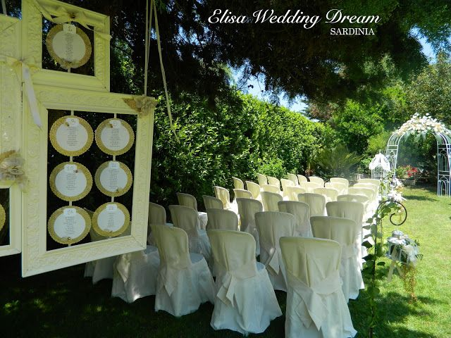 Gold Wedding details| Gold Wedding Tableau| Ceremony Location| http://elisaweddingdream.blogspot.it/2012/12/real-wedding-sonia-e-pierpaolo.html