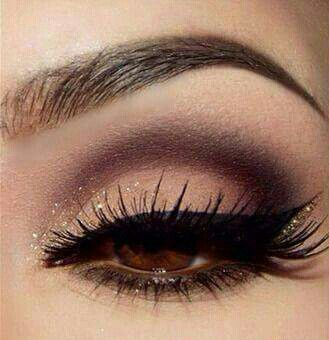 Nude eye shadow with dark brown crease and gold sparkle