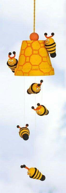 Die besten 25 tontopf figuren ideen auf pinterest for Fliegen aus blumentopf