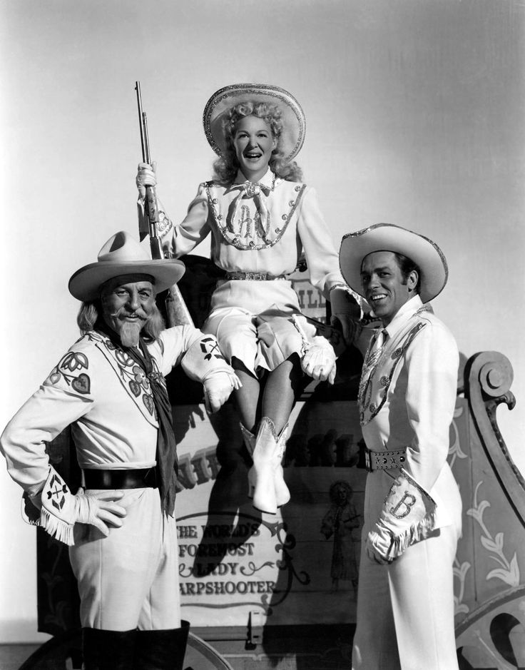 Louis Calhern (Buffalo Bill), Betty Hutton (Annie Oakley), Howard Keel (Frank Butler)
