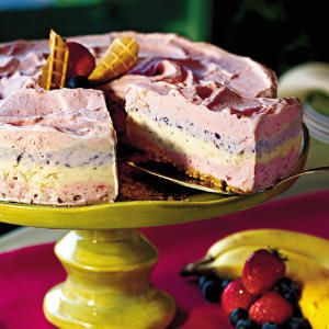 Parlor-Perfect Ice-Cream Cakes and Pies | Strawberry Smoothie Ice-Cream Pie | SouthernLiving.com: Blueberries Smoothie, Pies Recipes, Strawberries Smoothie, Bananas Blueberries, Smoothie Ice, Strawberries Bananas, Strawberries Pies, Ice Cream Pies, Icecream
