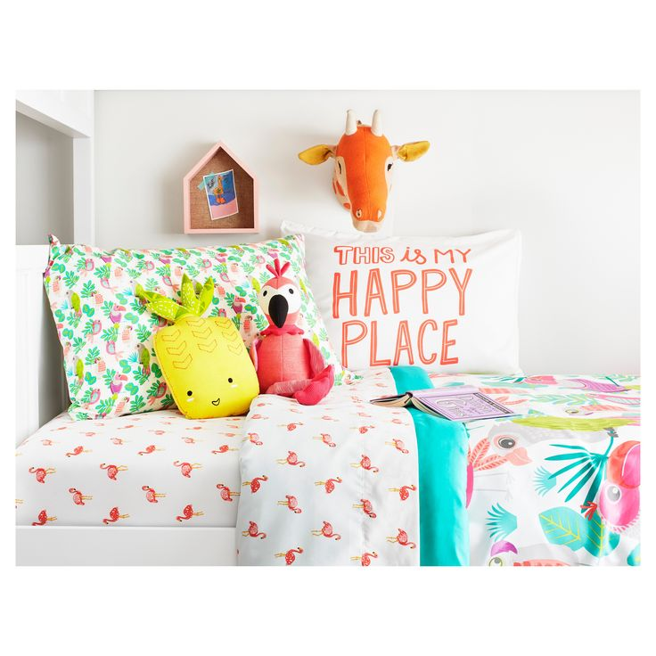 The Flamingos Sheet Set from the Pillowfort Tropical Treehouse collection has an all-over pattern of flamingos that can match many decorating styles. The kids' sheet set has all pieces covered in the same sweet pattern, sending your child into delightful dreams of a colorful, tropical world.