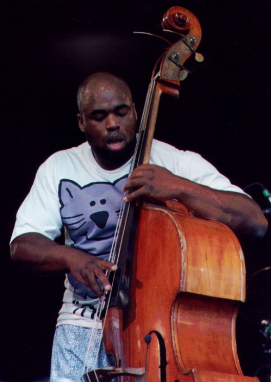 how to play double bass sitting