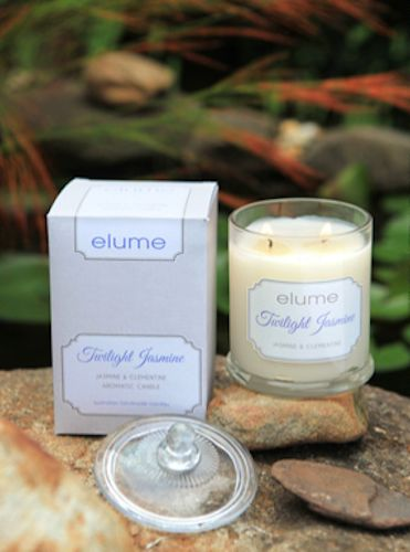 Twilight Jasmine – Jasmine & Clementine    A floral bouquet of jasmine mingles with spirited citrus notes of clementine and a dusky hint of vanilla musk to create an enchanting scent perfect for an evening of romance.