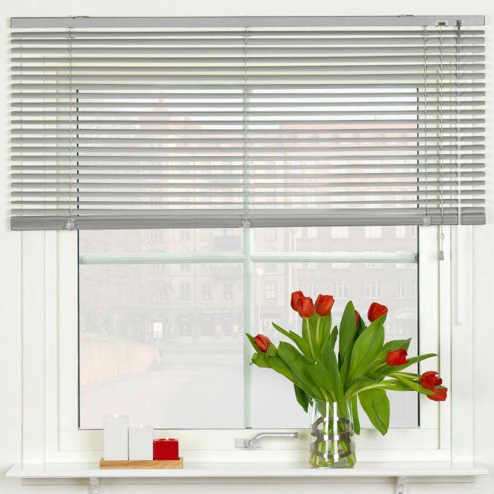 10 mörkläggande gardiner för snygga fönster solskydd