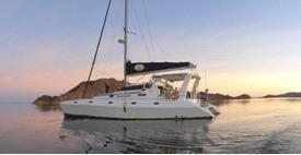 The Kimberley Cat Sunset Cruise on Lake Argyle, Kununurra, Western Australia. #crikeycamper #CampingMadeEasy