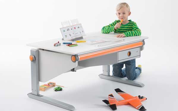 Nagy méretű munkafelülettel rendelkező Joker íróasztal.  http://mollbutor.hu/joker_iroasztal.html