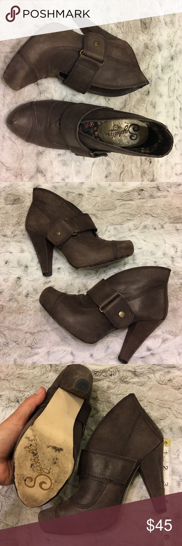 """Seychelles booties Brown leather Seychelles boots with side buckle/snap to close, 4""""tall in great condition,normal wear shows in leather but hardly noticeable,looks new Seychelles Shoes Ankle Boots & Booties"""