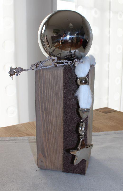 Aw28 kleine holzs ule aus altem holz dekoriert mit for Adventskranz edelstahl dekorieren