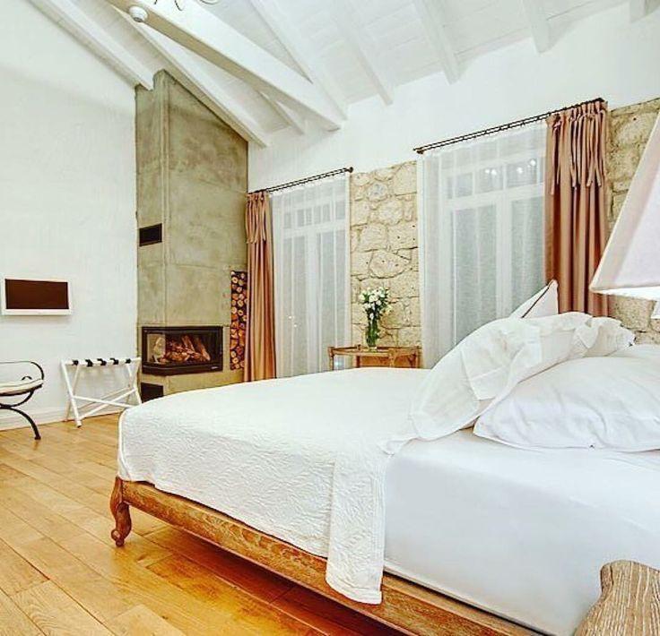 Konfor önemli tabii☺️ Bu geceyi @alacaticasabella hotelde sonlandırıyoruz. İyi geceler... ✨ Yılbaşı buralardaysanız öneririz ・・・ Ultimate comfort is a necessity for us!  --  Casa Bella Hotel  #Alaçatı / #İzmir - #Turkey ☎️ +90232-7160171  Oda/Rooms: 10  www.alacaticasabella.com - #alaçatıcasabella #alaçatı #alacati #kucukotel #smallhotel #honeymoon