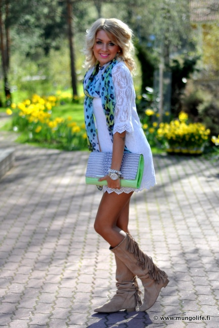 Love this scarf!: Bright Leopard, Leopard Patterned, Outfit, Bright Clutch, Beaded Bracelets, Lace Dresses, Bright Scarf