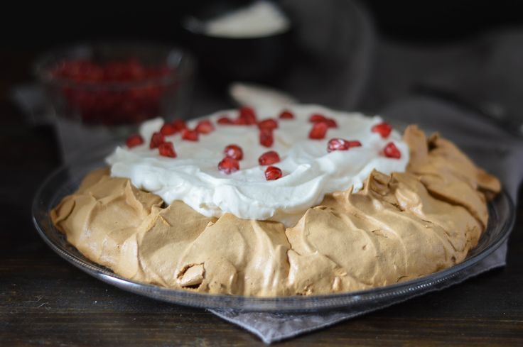 Brown Sugar Pavlova with Cream and Yogurt!
