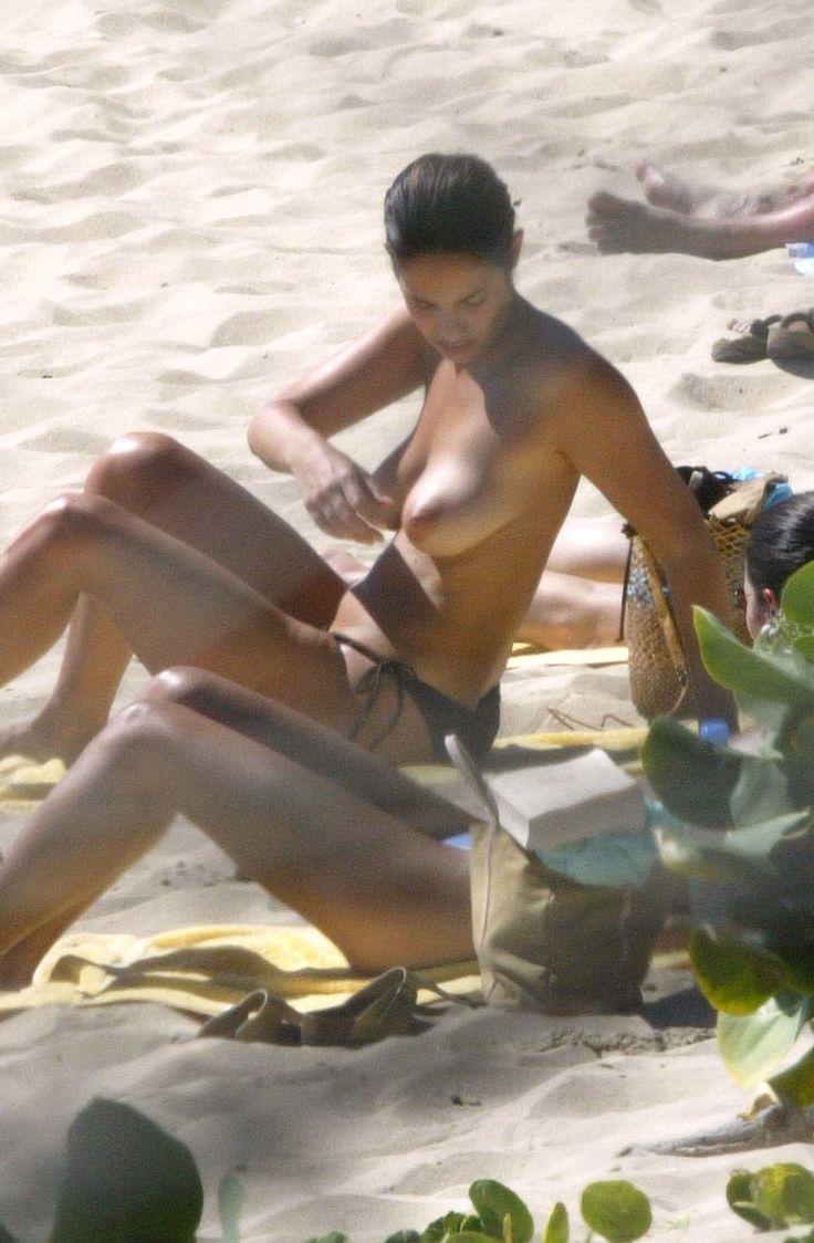 Melanie doutey nude boobs and bush in el lobo movie - 1 3