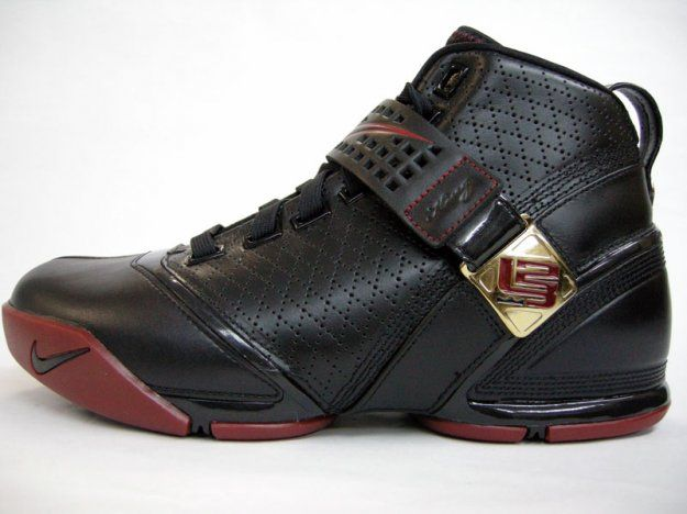 7d3ec45ff6fc Nike Zoom Lebron 5