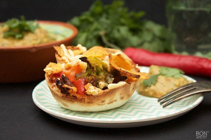 Deze te gekke tortilla-taartjes met broccoli, paprika en mais zijn overheerlijk. Lekker als diner, maar ook als snack op een feestje, succes verzekerd!