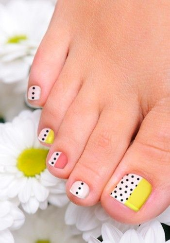 Yellow and White Polka Dots Toenail Art Design