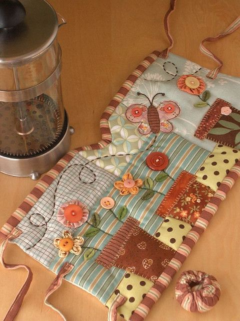 GARDEN French Press Cozy....so cute I can hardly stand it. Cute idea for a mug…