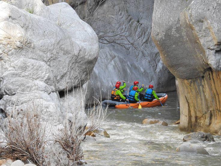 """State pensando ad una vacanza """"attiva"""" ? che ne dite del #rafting sul fiume #Pollina? ph Madonieapassolento"""