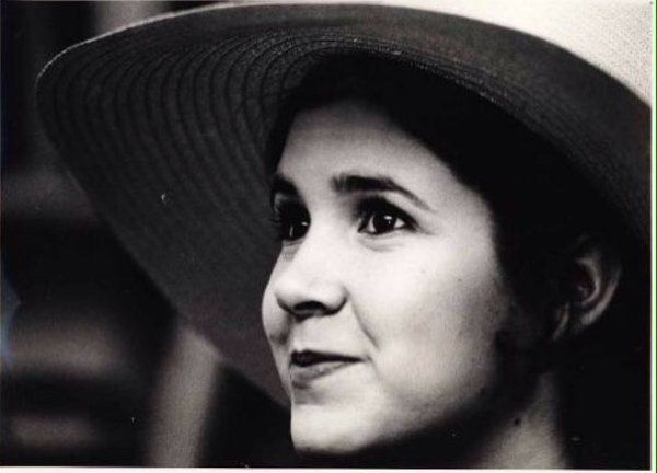 """Carrie Fisher on Twitter: """"G'nite Fuck-o's❗️Uknow who U R(NOT my sass Factories)Oh❕&✋BTWeight-sweet dreamz my chubbyCHATTING FAT heads/judgelestTHEE BtweeMeaned"""""""