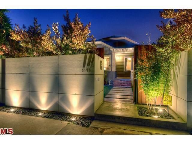 love the perimeter fence lighting fence lightinglandscape lightinghouse designideas - Outdoor Lighting Design Ideas