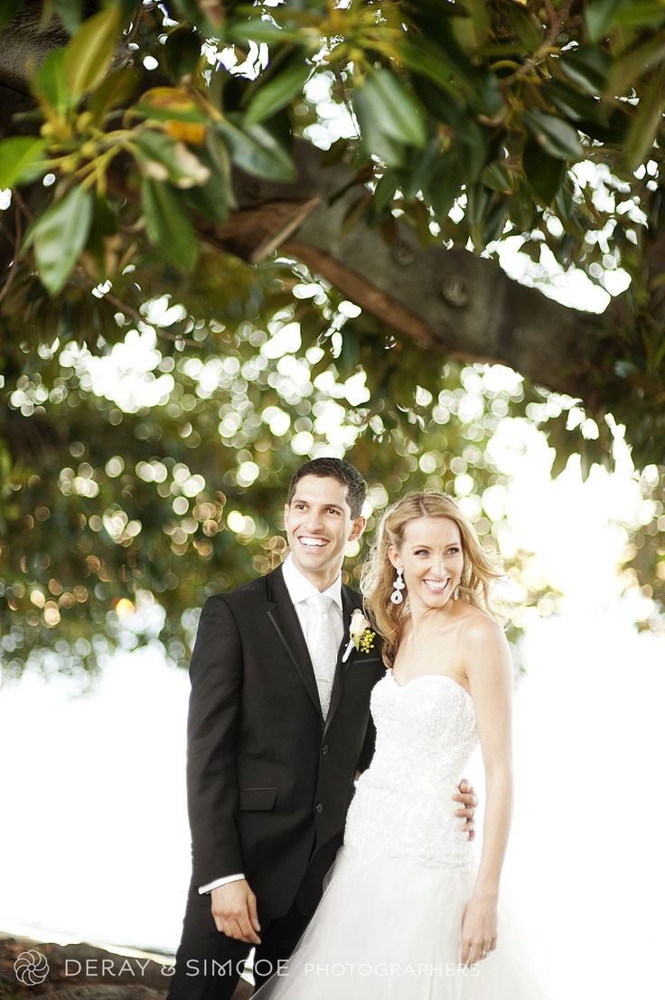 Bride & Groom. Natural and relaxed wedding portraits