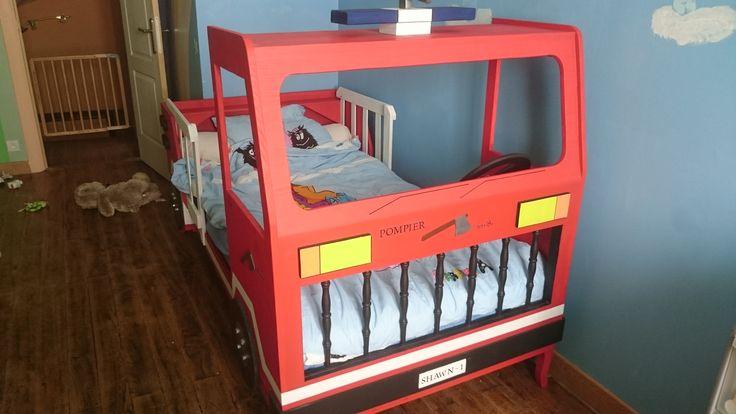 Relookage d'un vieux lit en lit camion de pompier....