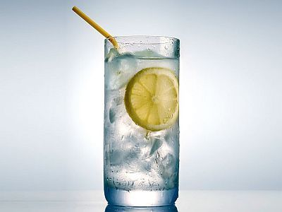 5 Reasons to drink lemon water in the morning...  http://amy-newnostalgia.blogspot.com/2012/11/5-reasons-to-drink-lemon-water-in.html