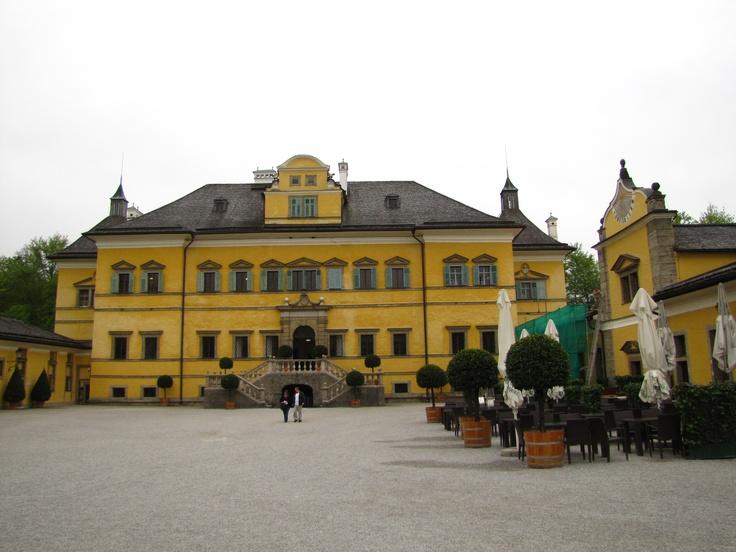 Pałac z frontu