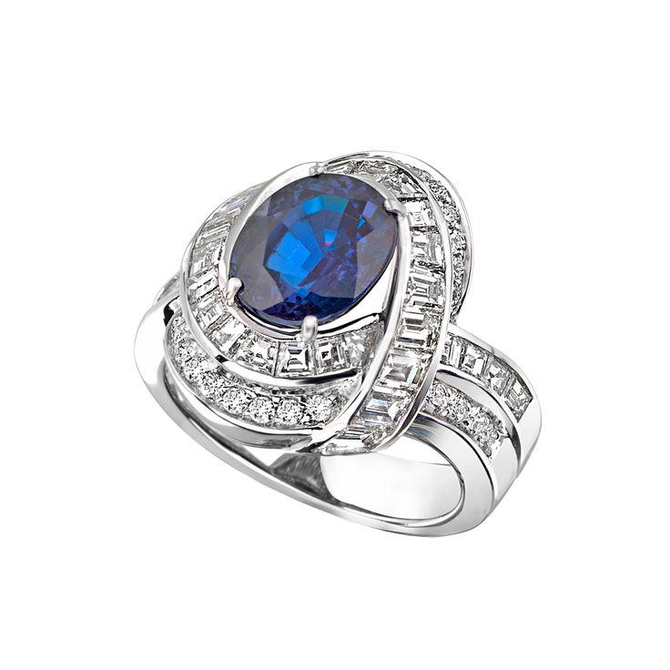 Кольцо CLUEV, Александрит - 3.86 карата, бриллианты, белое золото.