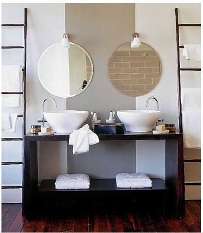 Photographic Gallery Beautifying Small Bathroom Design By Choosing The Right Mirror Black And White Small Bathrooms Small Bathroom Designs Do Design Small Bathrooms