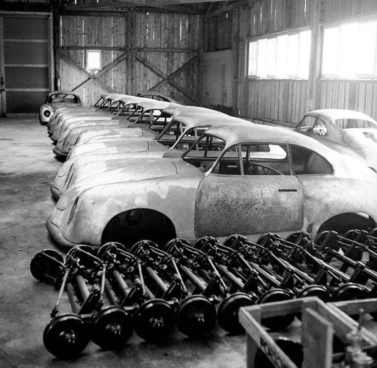 Les 25 meilleures id es de la cat gorie voitures rares sur for Container garage voiture