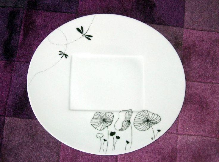 Grande assiette en noir et blanc
