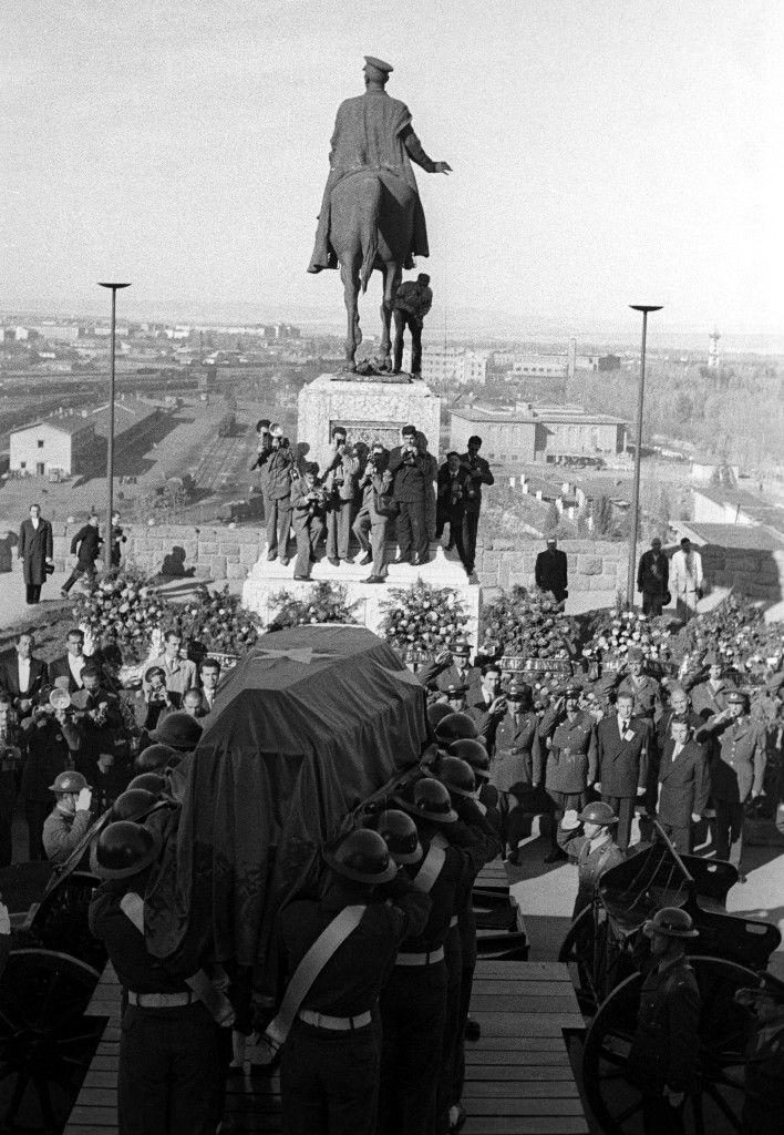 Ata-nın cenazesinin Anıtkabir'e yolculuğu