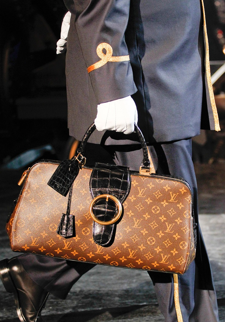 Fall 2012 RTW  Runway  Louis Vuitton