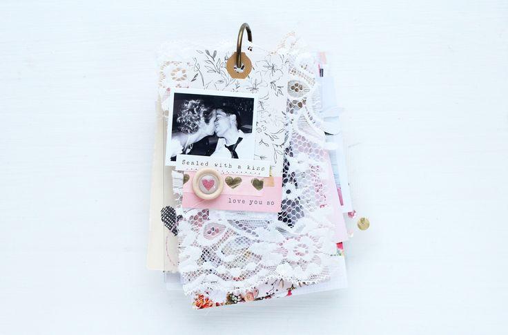 Hallo Ihr Lieben,  in meinem heutigen Post dreht sich alles um Liebe, Herzchen, weiß,... genauer gesagt um ein kleines Hochzeitsmini. Ei...