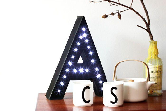 DIY: Letras de papelão com luzes