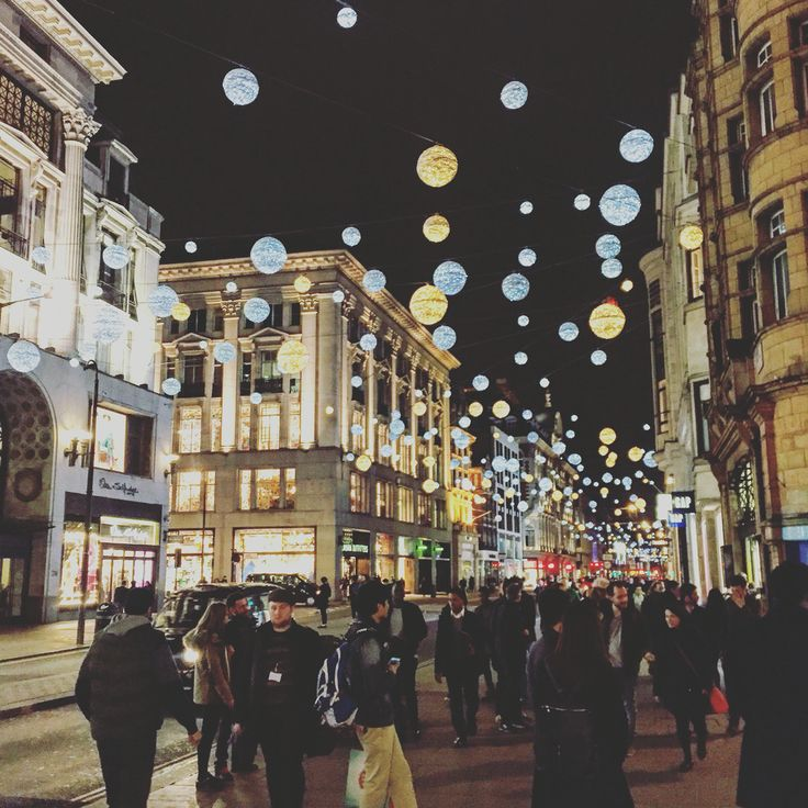 Oxford Street London by night  Study in London, the city that never sleeps #studyinlondon #soharrowithurts #westminsteruni #westminstertipster #chaseyourdreams #daretoaimhigher #theplacetobe #unilife #diploma #highlevel #education #explore #experience #social #prandadvertising #major #blissfull #blessed #traveltheworld #yourchance #dontmissout