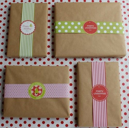 Wrapping idea, simple brown paper, pretty ribbon and stickers. Love it! You could use so many colors and themes on this idea, not just at Christmas.