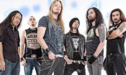 Compartir Publicar en Twitter + 1 Correo electrónico La banda británica de Power Metal DragonForce acaban de presentar la portada de su primer DVD ...