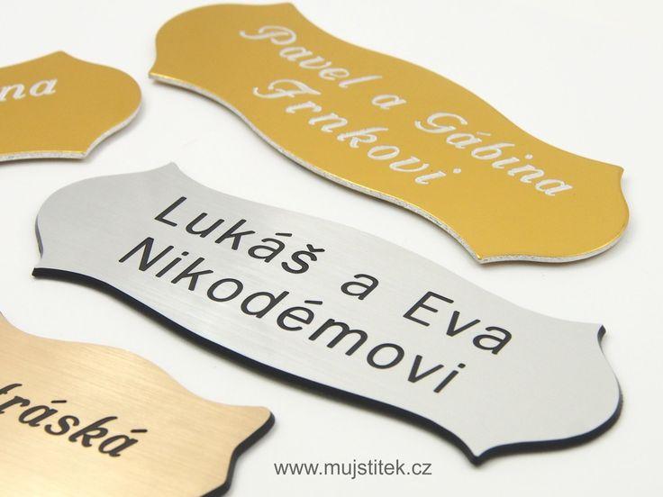 Plastové a hliníkové dveřní jmenovky s rytím textu .... http://www.mujstitek.cz/plastove-jmenovky/89-plastova-jmenovka-na-dvere-stribrna-typ-h.html