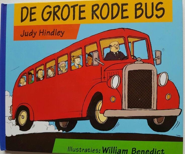 Een uitklapbaar boek wanneer de bus stil komt te staan door een gat in de weg en een opstopping veroorzaakt.