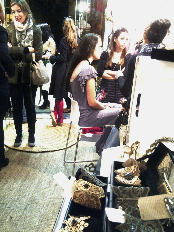 Every wednesday: Showroom de la firma. más info: www.cristinacardenas.com