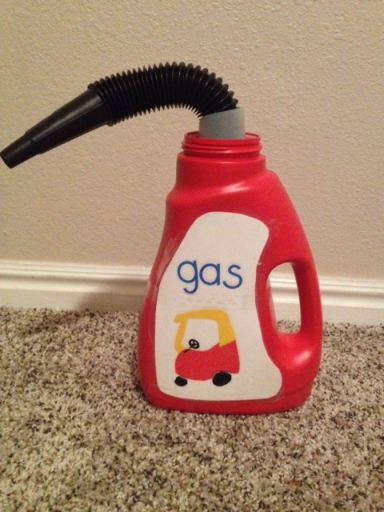 DIY gas can from a laundry detergent bottle!