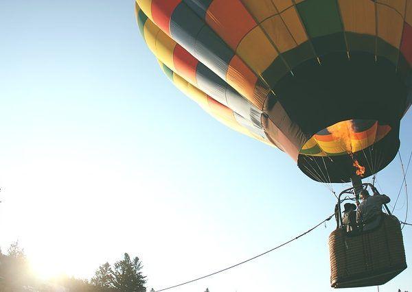 hot-air-balloon-401545_640