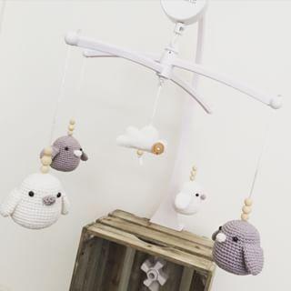 Muziek mobiel met gehaakte vogeltjes Angels Handmade - boxmobiel